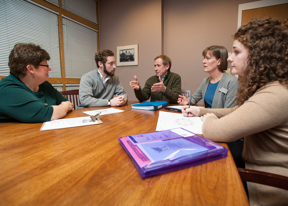 Faculty & Trainees Meet with Parent